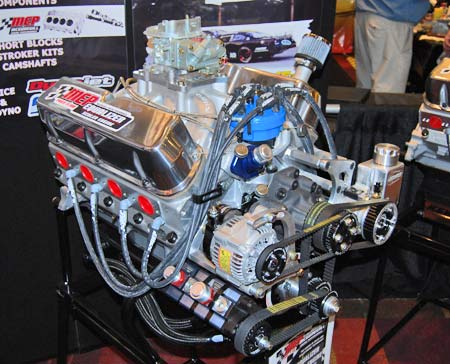 This MEP Ford Equalizer sealed SLM racing engine carries a big Holley carburetor on an Edelbrock Victor Jr. intake manifold. The low-profile, single-plane Victor Jr. intake manifolds are very versatile and can be used for drag racing and Oval Track competition, as well as for street applications.
