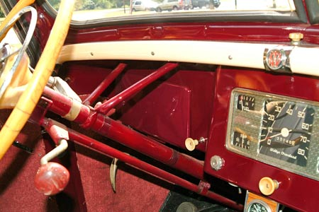 The dash panel in front of the steering wheel became the glove box if a right-hand-drive version of the Jeepster was ordered -- a bit of forward-thinking on the part of the engineers.