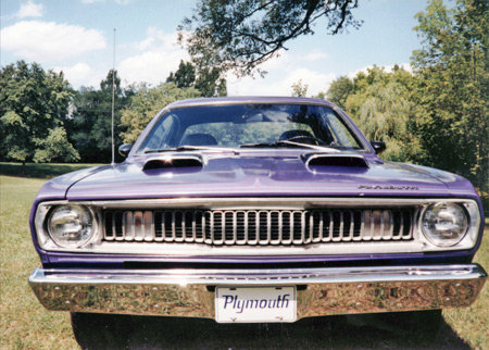 1971 Plymouth Duster used the sawtooth grille.