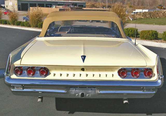 1961 pontiac bonneville convertible for Garage auto bonneville